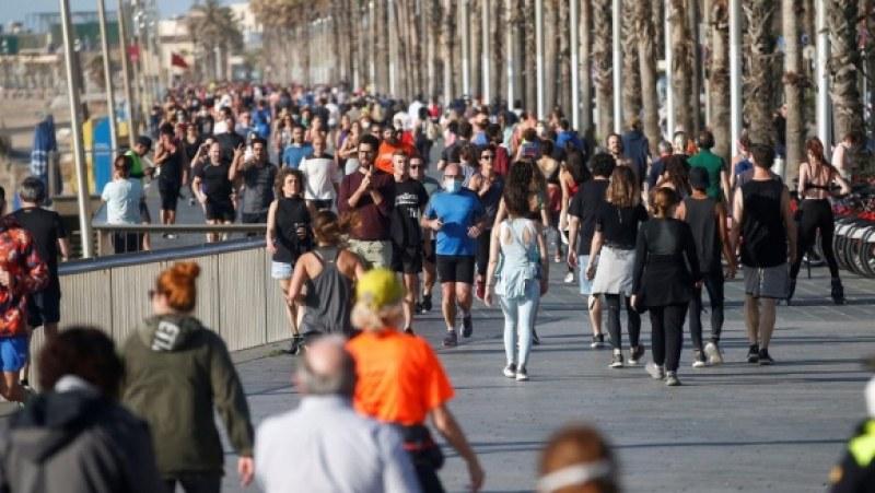 Хиляди спортуващи напълниха улиците в Мадрид и Барселона