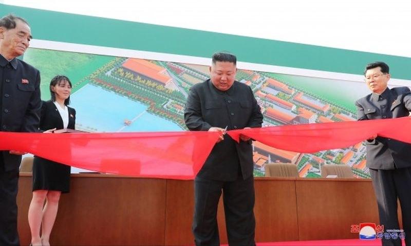 Ким Чен Ун е жив, появи се на публично място