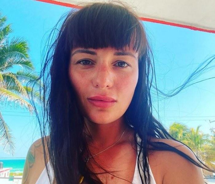Певицата Рут Колева е блокирана в малко мексиканско село
