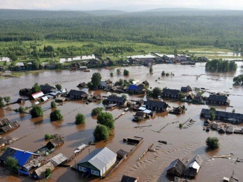 100 000 евакуирани след скъсване на язовирна стена