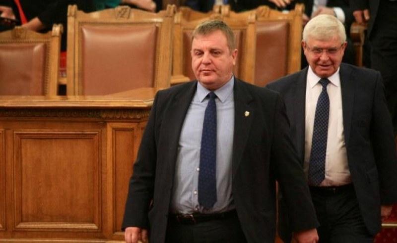 Каракачанов: Държавата не може само да е касиер! Ако фалира туризмът, от къде ще взима пари?
