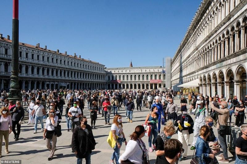 Втора мощна вълна на коронавируса заплашва Италия