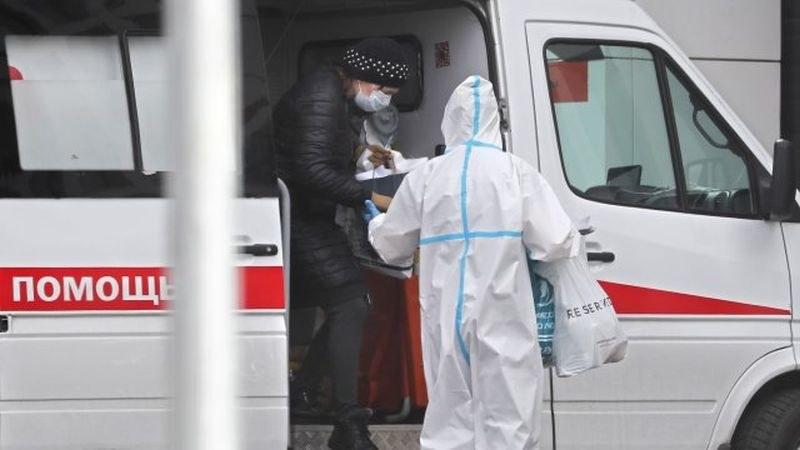 Нови 10 000 заразени с COVID-19 в Русия