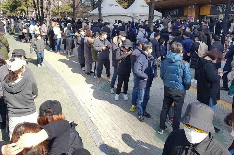 Пандемията изплашила Кин Чен Уен, Сеул докладва за паническо разграбване на магазините