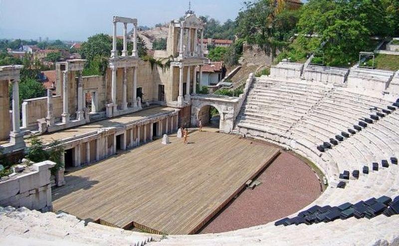 Празнуваме 9 май онлайн с първия концерт в Пловдив преди 18 години