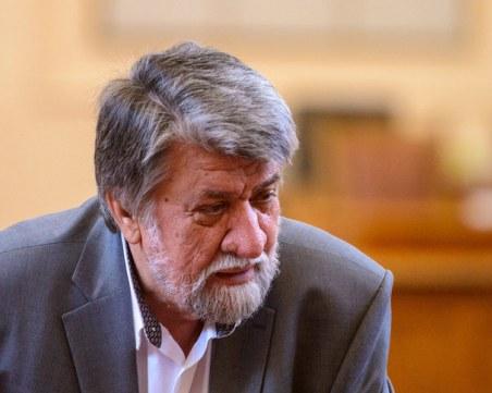 Бунт срещу Вежди Рашидов заради репликата