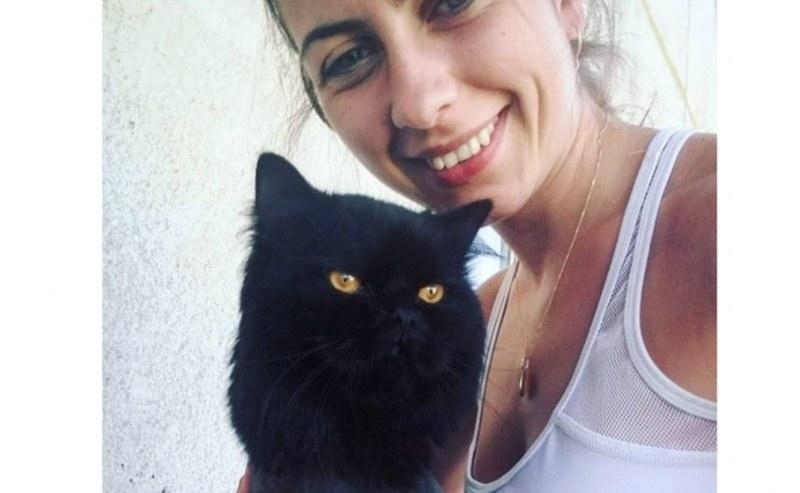 Домашните любимци на Марица: Шахпазова си играе с котка и заек