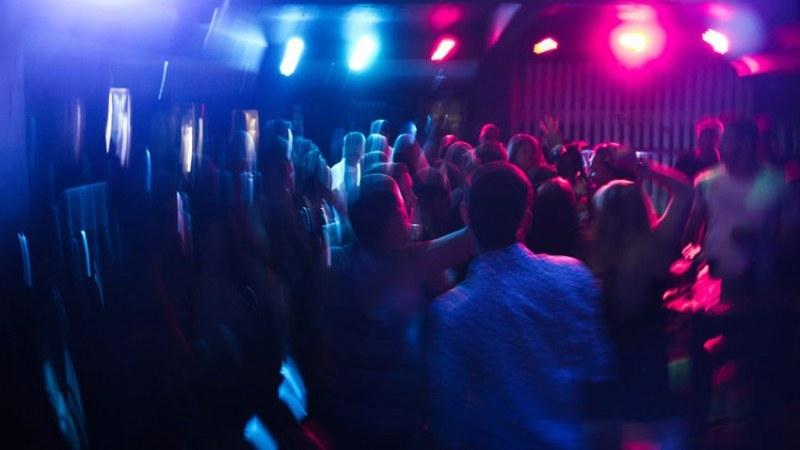 Нетърпеливи пловдивчани резервират маси и сепарета по нощните клубове