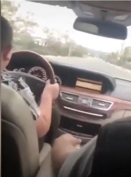 Ромски барон учи 9-годишния си син да шофира в Пловдивско