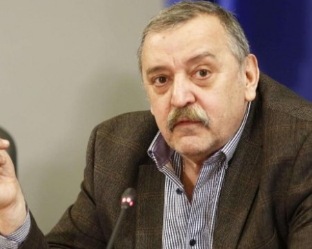 Кантарджиев: Кого плашим? Нека не се давим на края на Дунава