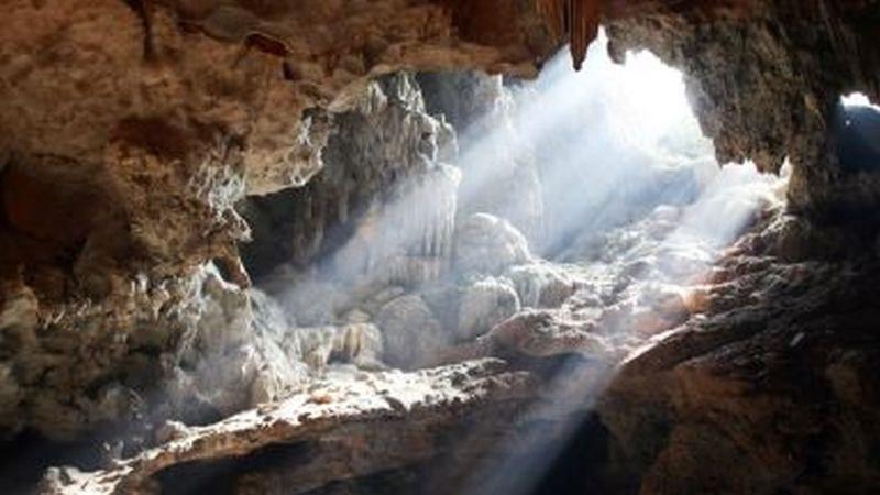 Четирима иманяри загинаха в пещера в Гърция