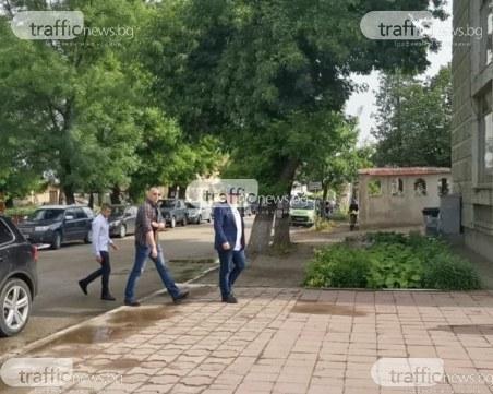Главният прокурор пристигна в Ореховица,акцията продължава
