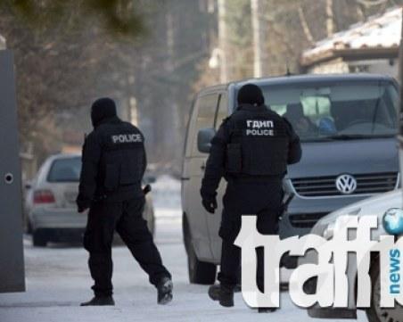 Килърите на Марангозова се запознали в затвора, служителят на НСО поддържал връзка с магистрати