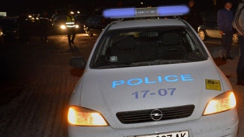 Пиян и дрогиран открадна кола, блъсна се и избяга!