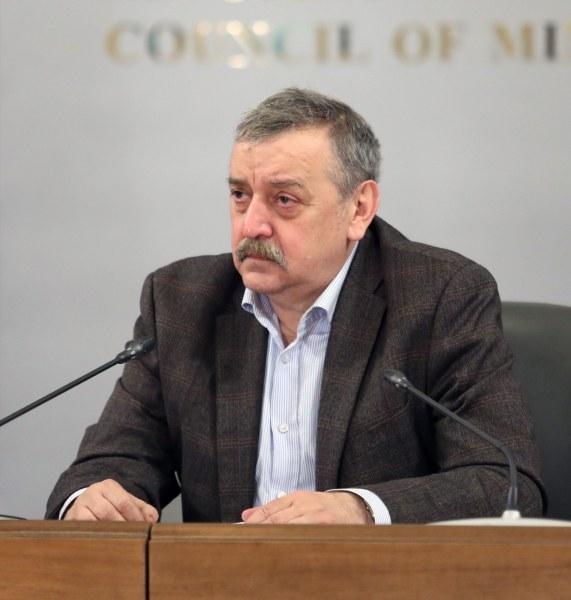 Проф. Тодор Кантарджиев обясни от какво зависи тежестта на инфекцията