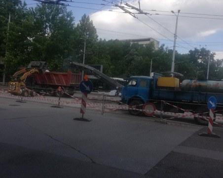 Ремонтът на централно кръстовище в Пловдив кипи в пълна сила