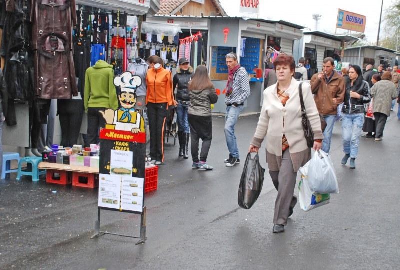 Най-големият пазар в България отвори врати за първи път след пандемията COVID-19