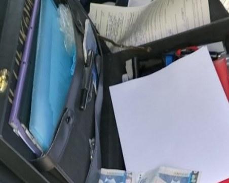 21-годишен без книжка предложи подкуп на полицаи край Пловдив