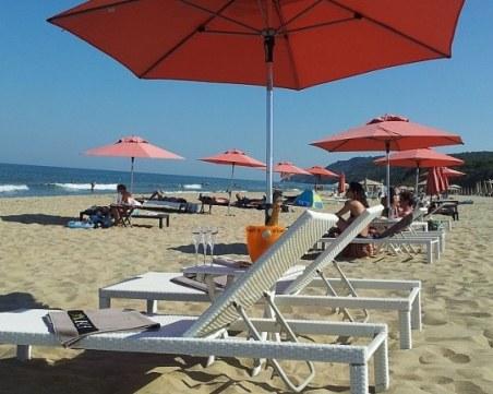 Безплатни чадъри и шезлонги само на 17 плажа у нас