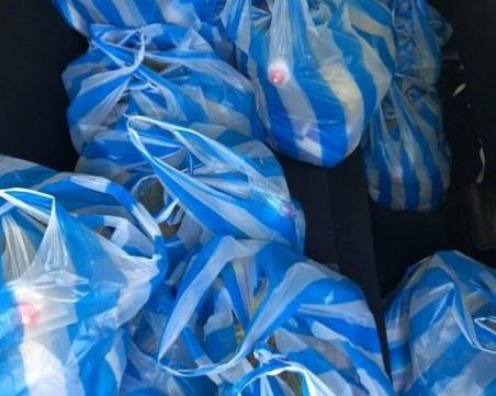 Добрините продължават! Дарител зарадва 30 души в Асеновград с храна