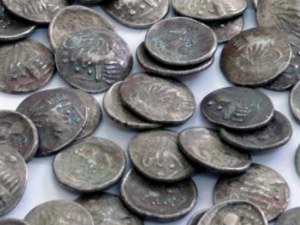 Спипаха хасковлия, въртял онлайн търговия с антични монети