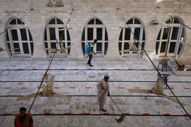 Вдигат полицейския час в Саудитска Арабия