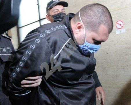 Николай Петров, хванат с 360 кг кокаин, остава в ареста