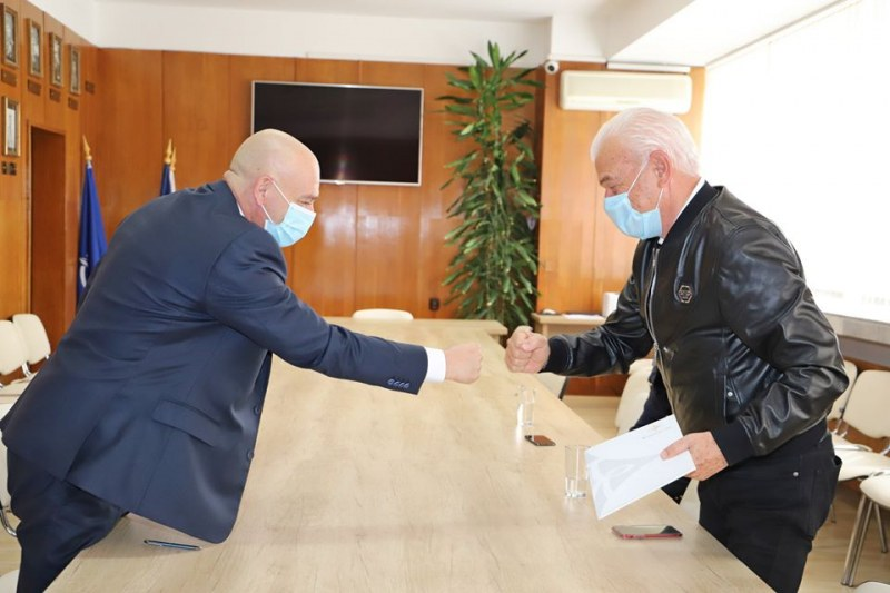 Бизнесменът Петър Манджуков с ново дарение за ВМА и медиците на първа линия
