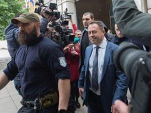 Изведоха зам.-министъра на Околната среда от сградата на МОСВ, твърди, че не е арестуван