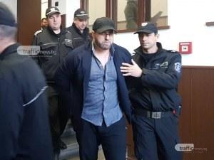 Паньо Мангъров в съда: Прокурорът лъже! Вярва на две плеймейтки