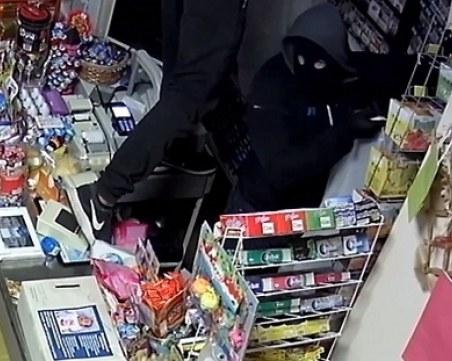 Двама обирджии с обвинения: Изпили 2 литра ракия и решили да оберат магазин