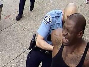 Арест и обвинения в убийство за единия от полицаите, задържали Джордж Флойд