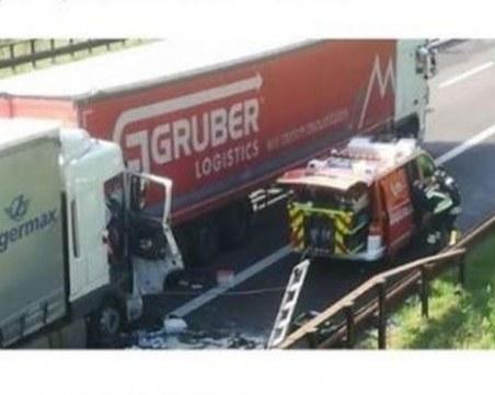 Българин загина при жестока катастрофа между два тира в Италия