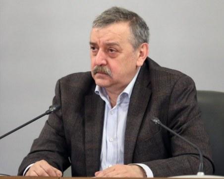 Проф. Тодор Кантарджиев: Епидемията намалява, но нека не се отпускаме
