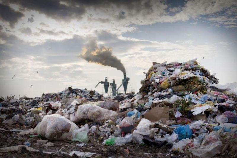 Откриха огромно количество боклук с неясен произход в Червен бряг