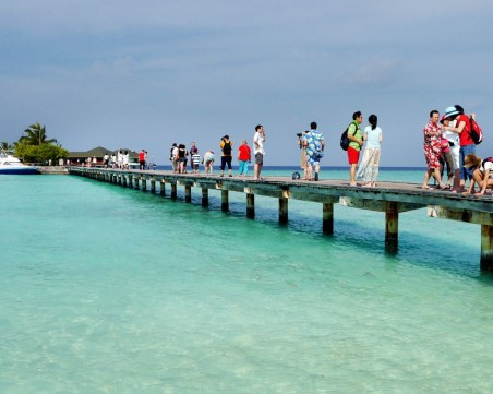 Малдивите отварят границите си! Ето кога ще посрещат туристи