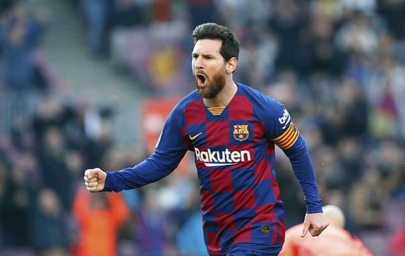 Легенда на Англия каза кой е по-добър - Меси или Роналдо