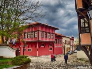 Деца от цяла България рисуват Стария град