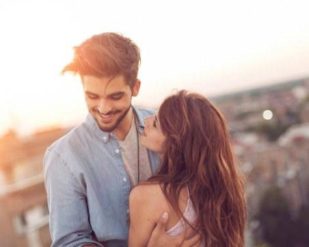 6 неща за връзката ви, които не бива да споделяте