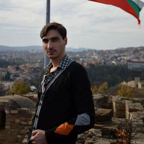 Млад лекар от Пазарджик спаси от смърт жена, припаднала в двора на болницата