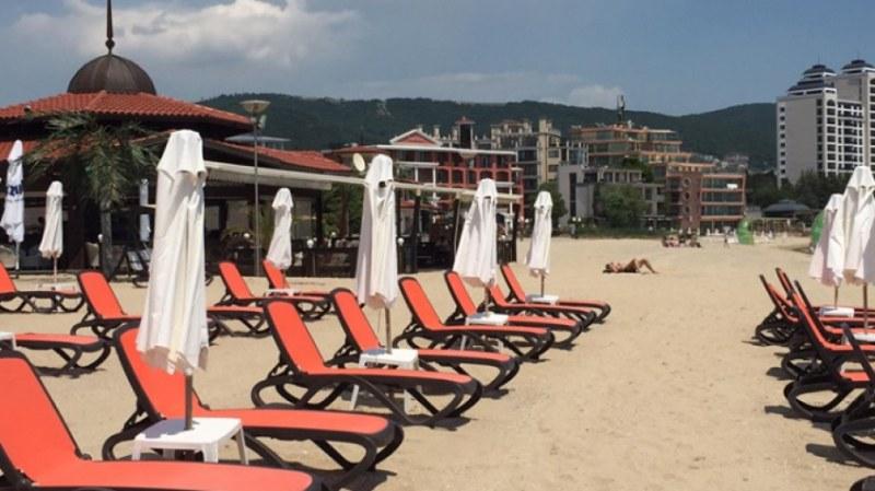 Слънчев бряг е празен в първия ден от туристическия сезон
