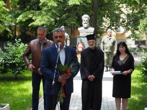 Войводиновци сведоха глава пред паметника на Ботев