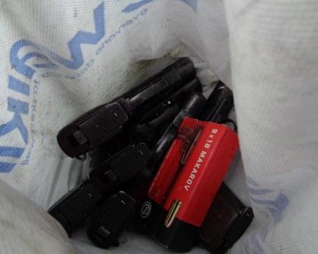 Над 2000 боеприпаса, пистолети и пълнители са открити в Добрич