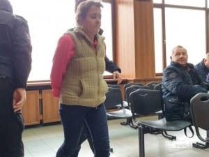 12 години затвор за Марияна, убила любовника си в Пловдив след запой