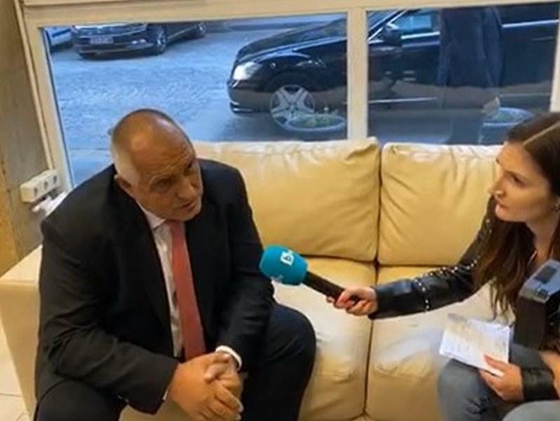 Премиерът: Божков не ми е дал нито стотинка