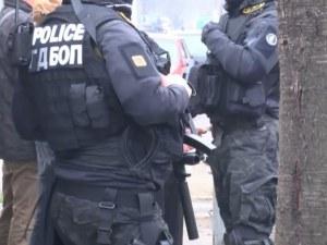 Акцията на ГДБОП е за наркотици и оръжия, един е задържан