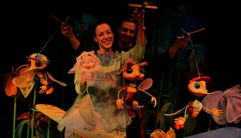 Кукленият театър продължава да радва малките зрители с интересна програма на открито