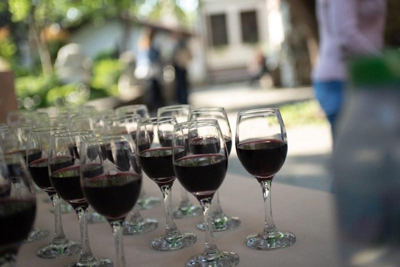 Време е за вино и гурме в Стария град
