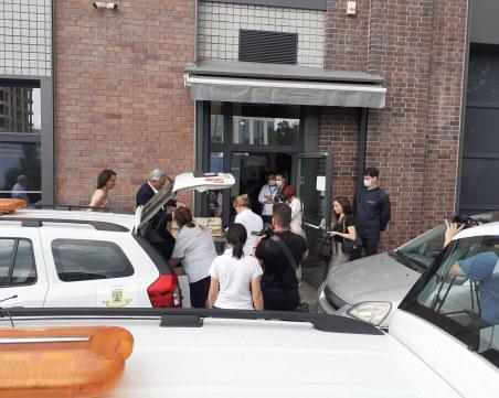 Доброволци с лични автомобили доставят топъл обяд на нуждаещи се в Пловдив ВИДЕО