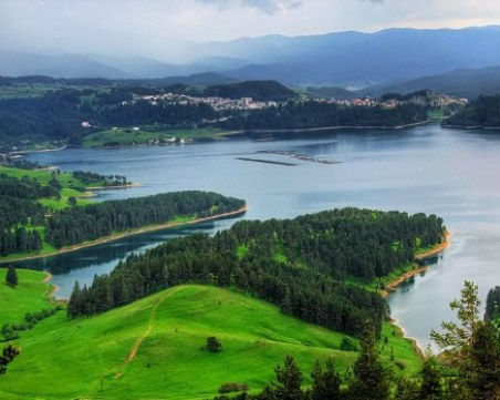 Хотелиерите в Доспат: Готови сме за летния сезон, продължаваме да посрещаме гости